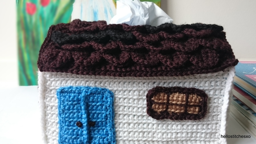 Crochet country house tissue box cover